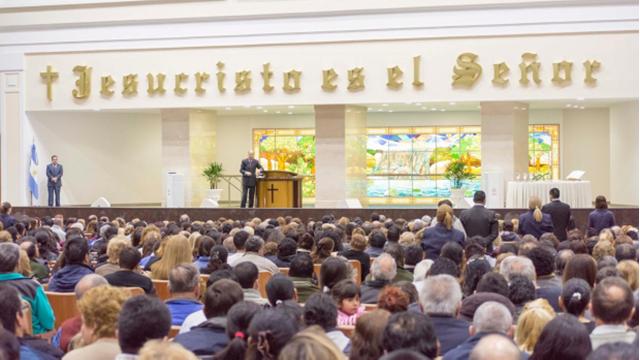 Bishop Macedo in Argentina