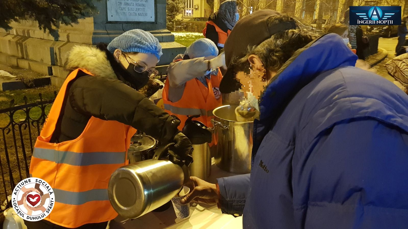 Voluntarios de la Universal salen a las calles para ayudar a los más necesitados en Rumanía1 min read