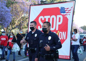 Luchando mano a mano en contra de la depresión en Huntington Park, California