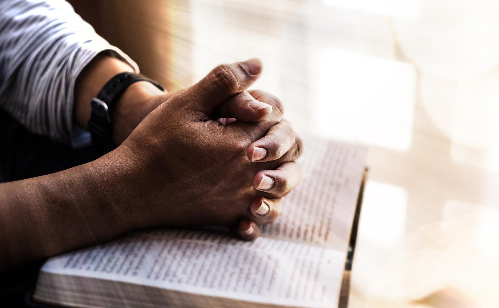 Lea la Biblia en un año : 215º día11 min read