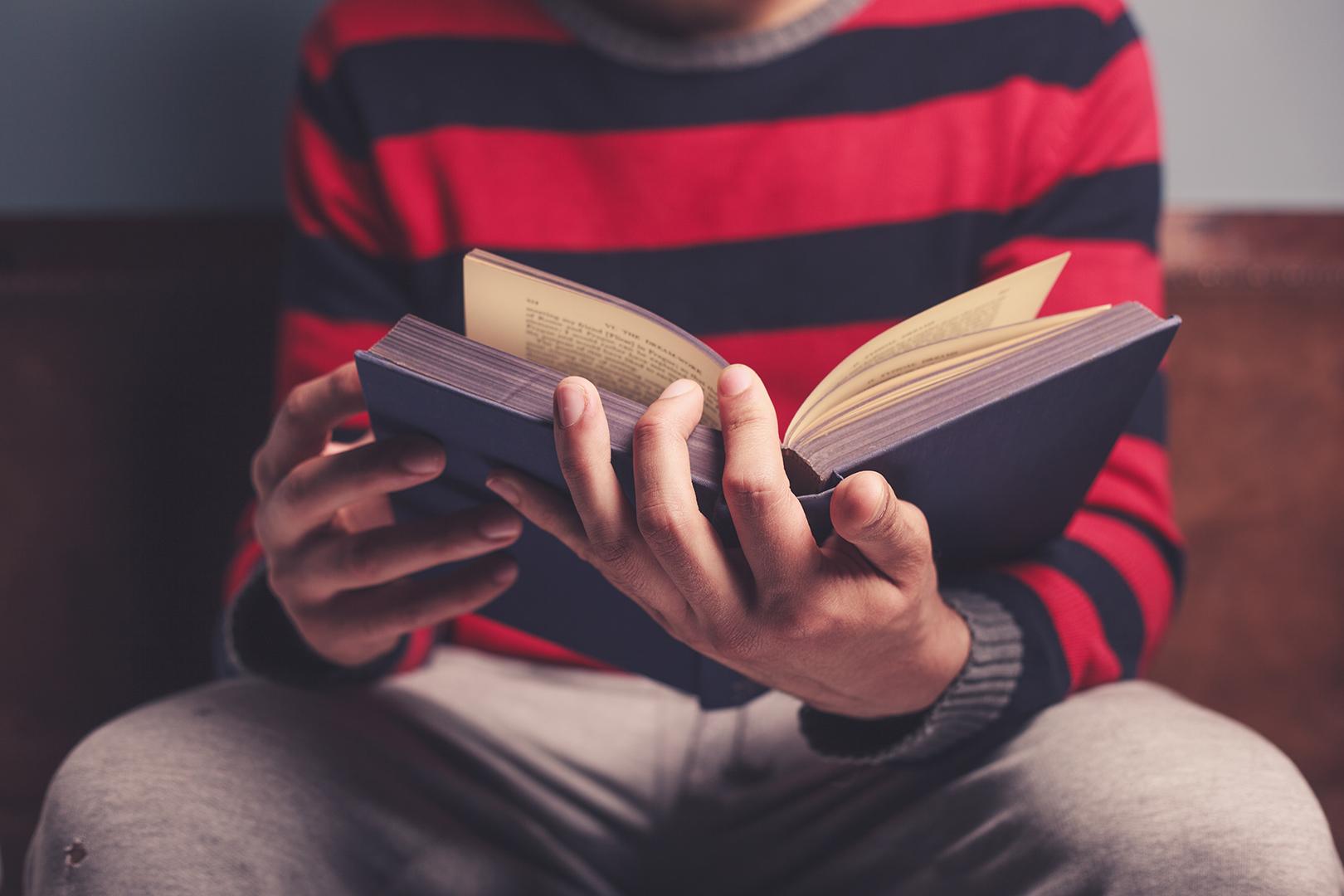 Lea la Biblia en un año : 225º día9 min read