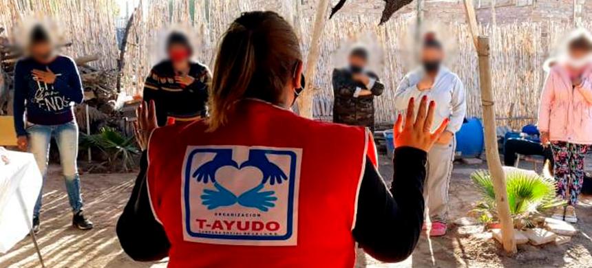Voluntarios del T-Ayudo de Mendoza, Argentina asisten a las familias necesitadas1 min read