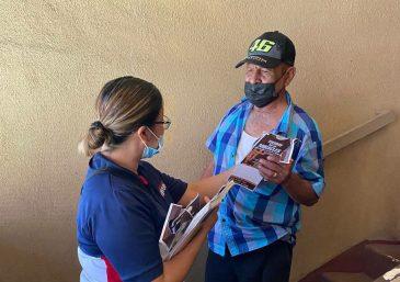 Llevando el alimento físico y espiritual a los más necesitados en San Diego, California