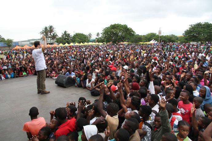 Feira beneficente reúne mais de 6 mil pessoas em Maputo1 min read