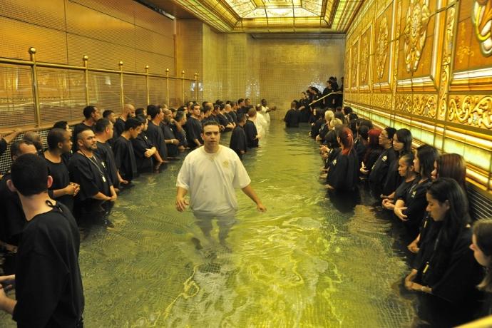 Entenda a real importância do batismo nas águas6 min read