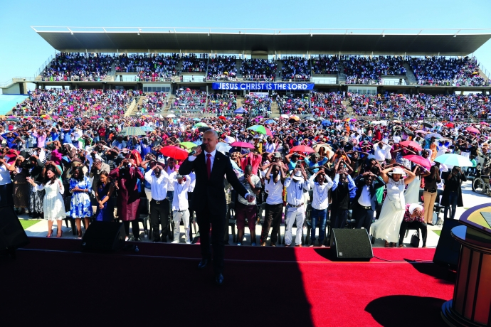 """""""Dia de Paz"""" reúne mais de 20 mil pessoas na Namíbia2 min read"""