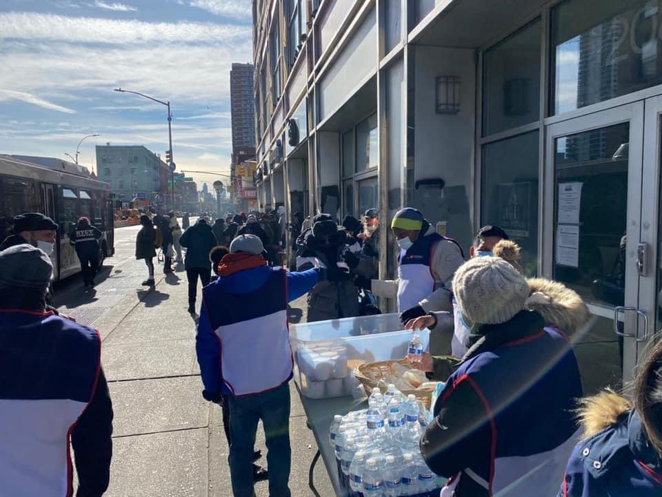 Frio em Nova York não impede o trabalho social da Igreja Universal