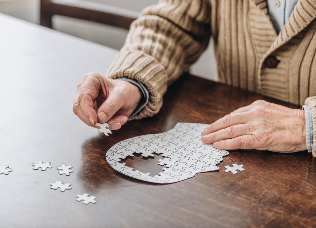 Alzheimer: Segundo a OMS, 70% dos casos de demência no mundo são causados pela doença.