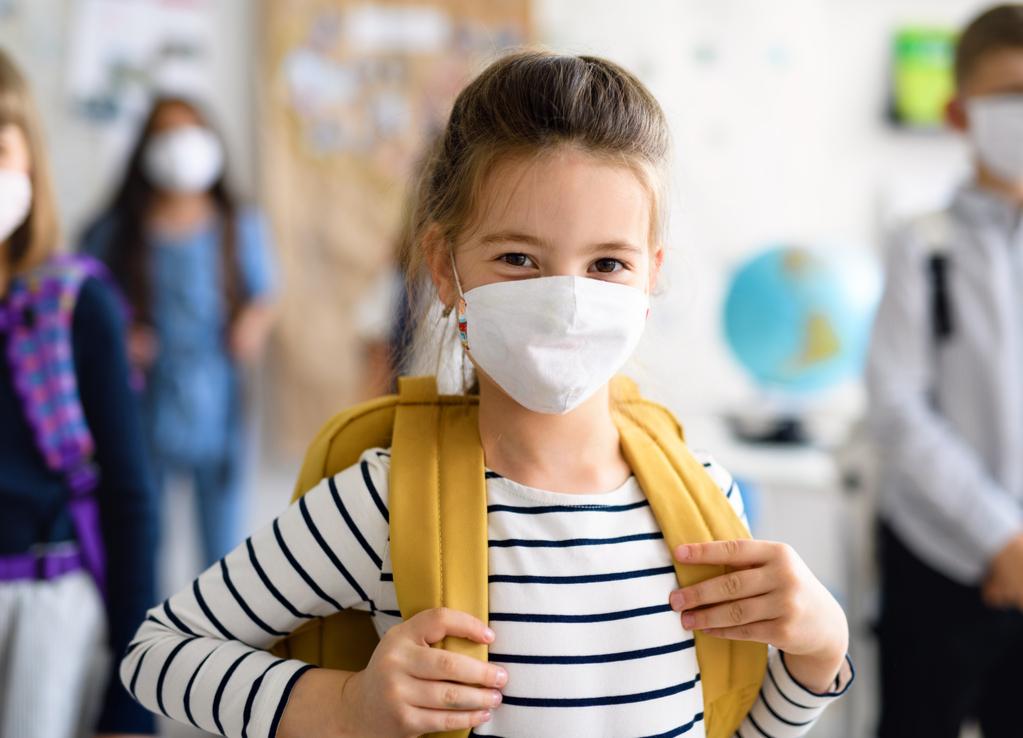 Professores e alunos vacinados não precisam usar máscaras