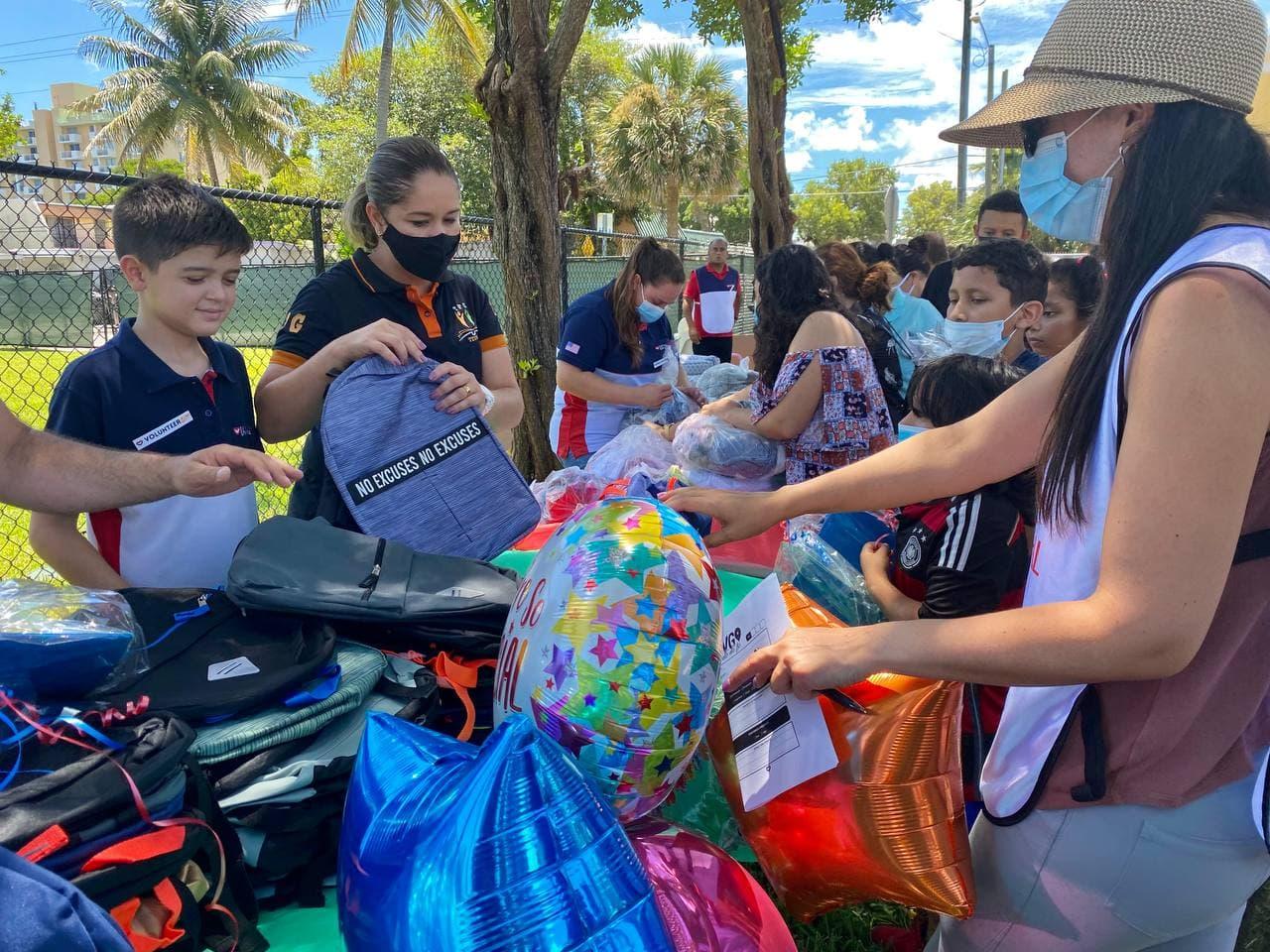 Projeto Unisocial atende comunidade carente em North Miami Beach