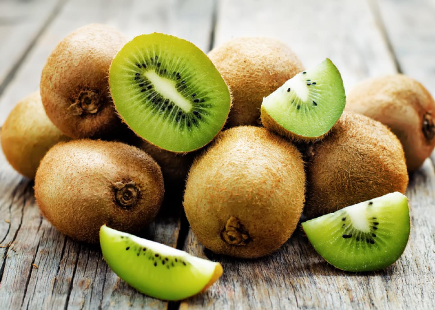 Descubra os benefícios do kiwi